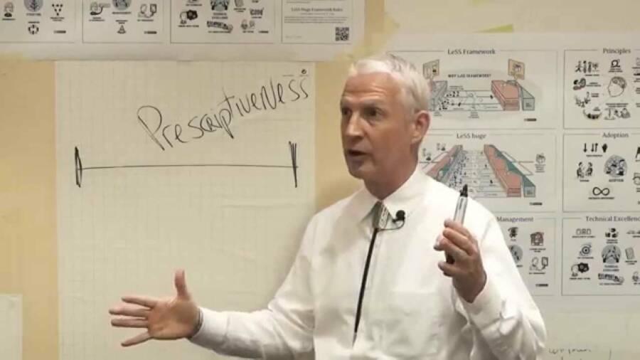 Craig Larman é um cientista da computação especialista em métodos de desenvolvimento de sistemas orientado a objetos.